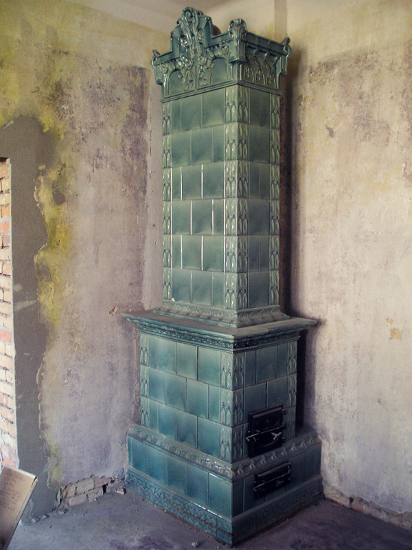 historischer alter kachelofen. Black Bedroom Furniture Sets. Home Design Ideas
